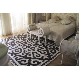 horns-carpet