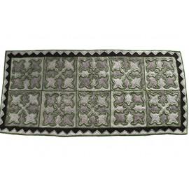 grey-tullips-carpet