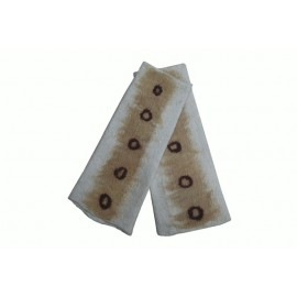 brown-dots-mittens