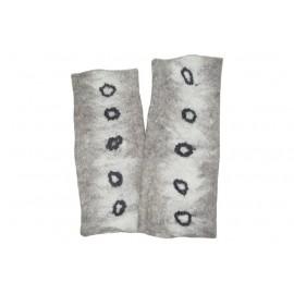 grey-dots-mittens