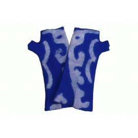 blue-ornament-mittens