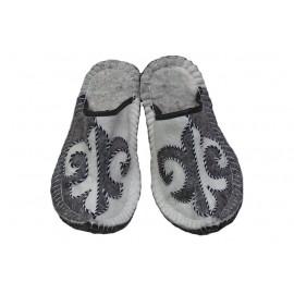 white-grey-ornament-felt-slippers