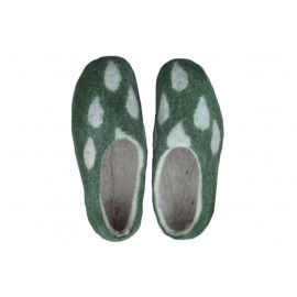 green-leaves-slippers
