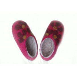 red-felt-flower-slippers